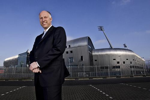 Vijf Thieme bedrijven failliet - Van der Kallen vertrekt