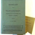 Telefoongids bij oud papier
